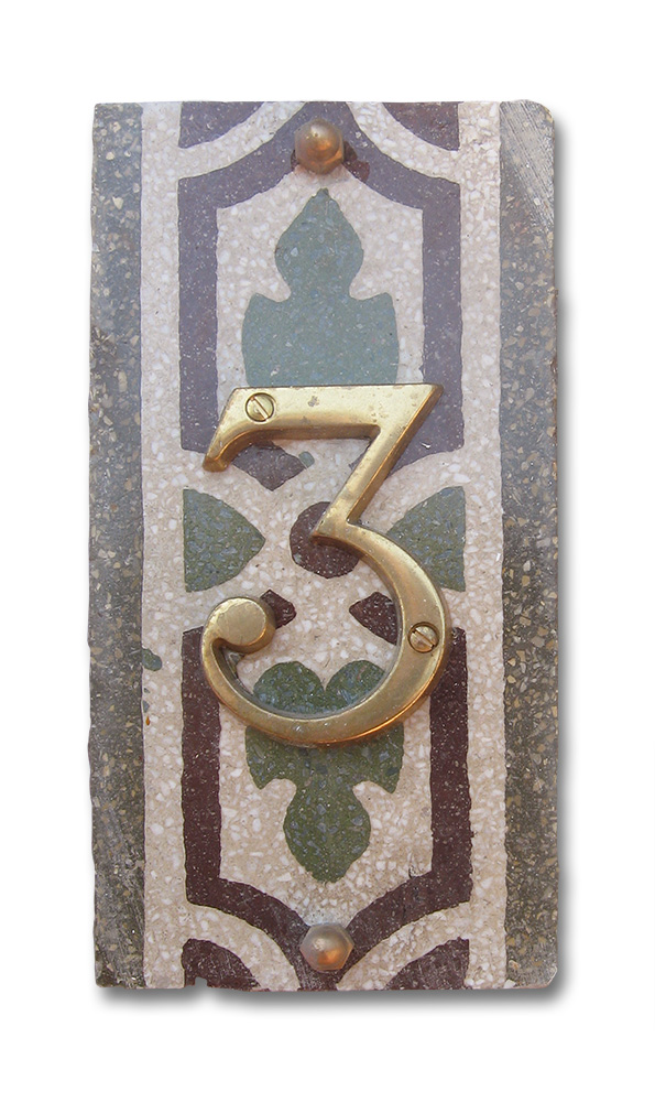 Apartment 3 - Typical Ligurian tile from the 1940s